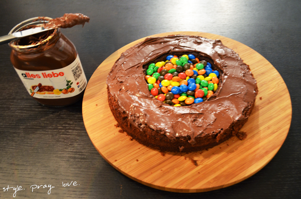 pinata-geburtstags-kuchen-flugzeug-torte-10-spl