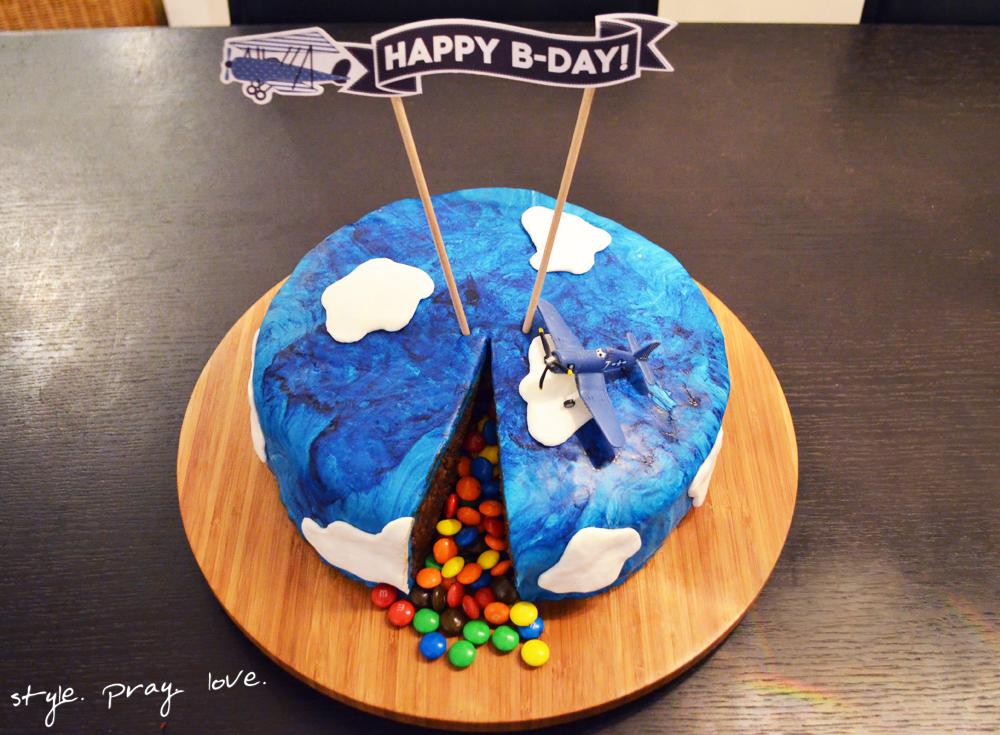 pinata-geburtstags-kuchen-flugzeug-torte-17-spl