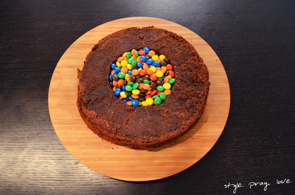 pinata-geburtstags-kuchen-flugzeug-torte-8-spl