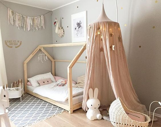 kinderzimmer bett haus spielbett ein traum f r die kinder. Black Bedroom Furniture Sets. Home Design Ideas