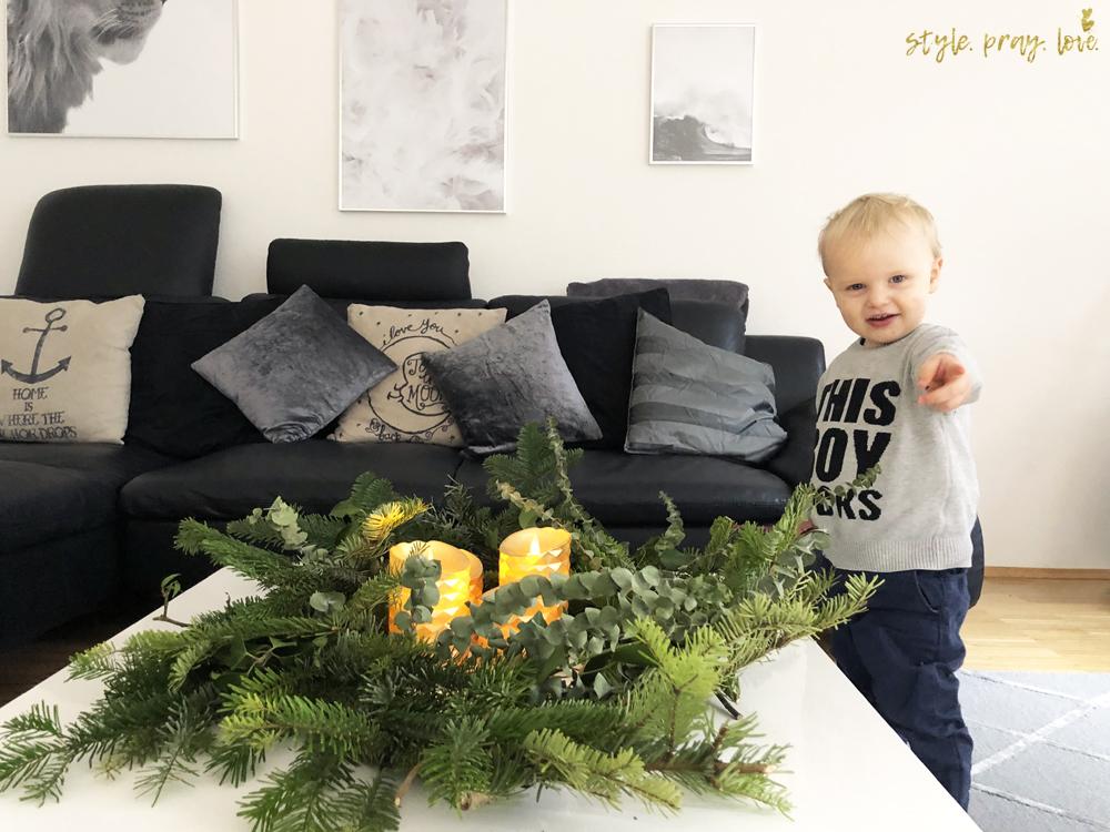 diy wilder adventskranz so schnell und kindersicher. Black Bedroom Furniture Sets. Home Design Ideas